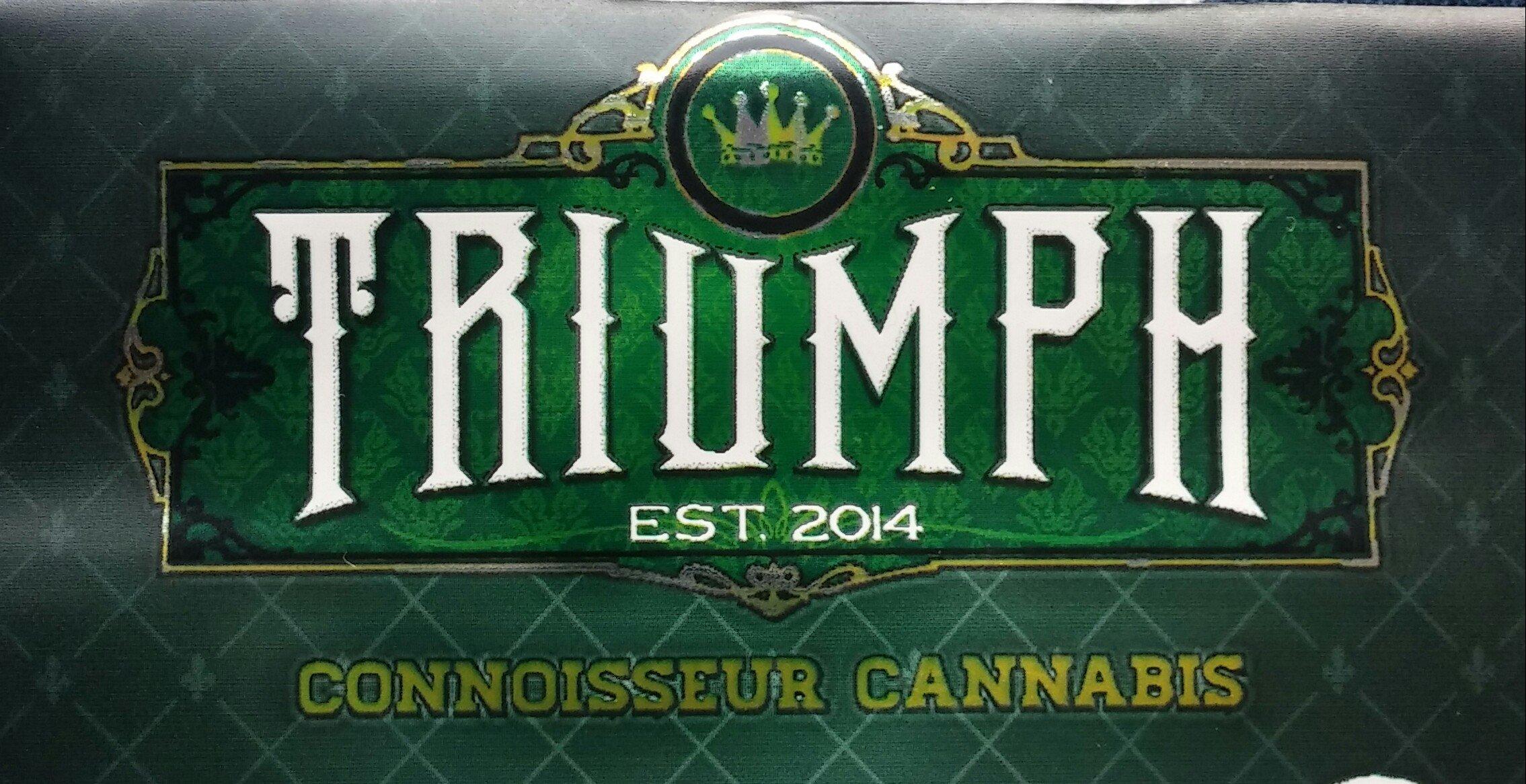 Cleo – Triumph Connoisseur Cannabis – Pineapple Express